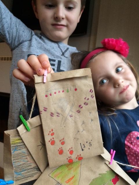 Montessori aktivita: Adventní kalendář, který vyrábíděti.